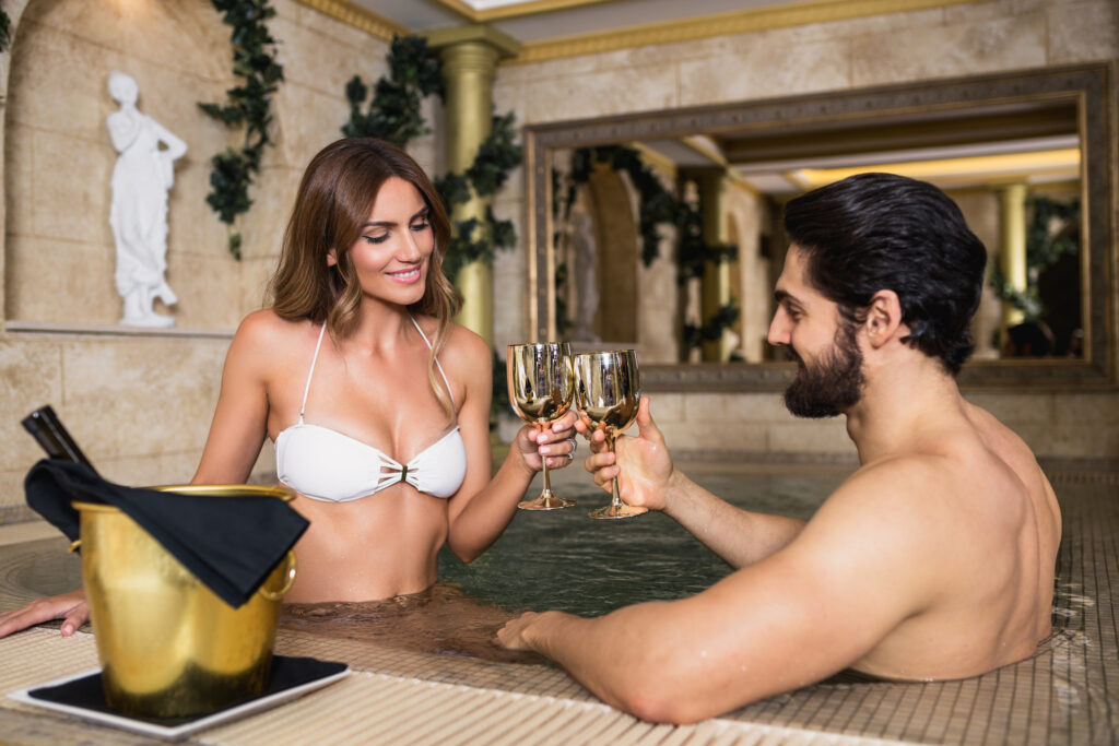 Couple enjoys their date by using dating apps without Facebook