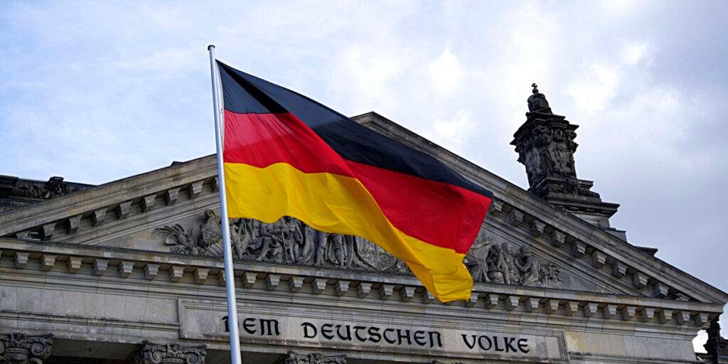 Receive SMS Online with Germany (DE) +49 Phone Numbers